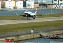 Un Embraer British Airways in atterraggio a London-City (C) British Airways BA Image Library